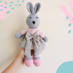 Cukierkowy królik w sukience
